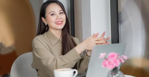 [Vtc.vn]- Bằng tất cả lòng nhiệt thành, nhà sáng lập IMAP - Nguyễn Thị Hoa nay đã trở thành người truyền cảm hứng học tiếng Anh cho hàng triệu học viên viên bằng những triết lý văn hóa tích cực.